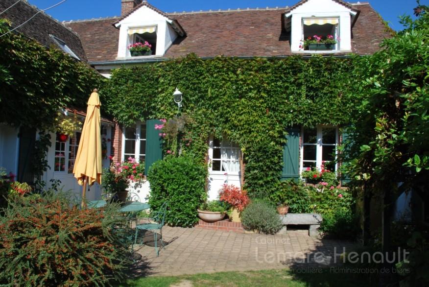 Maison ancienne - 4 chambres - jardin